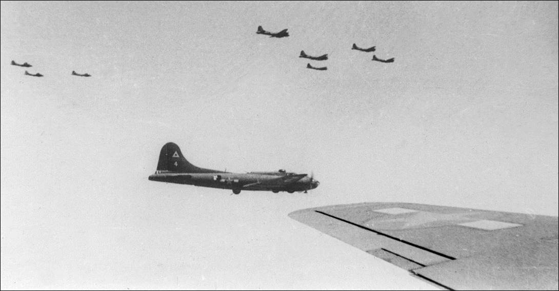 _97th BG 414th BS in formation from Tillman's plane