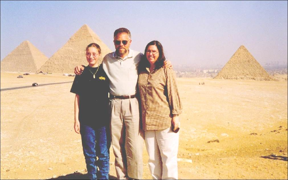 egypt_family_giza_jan_1999b_smLL